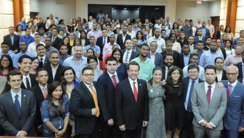 """Ito Bisonó en Campus CAPP: """"Nos urge cultivar la cultura democrática"""""""